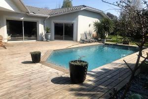 Artisan macon caujac piscine